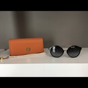 Tory Burch  Silver Blk gradient Sunglasses 54mm